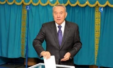 nazarbayev  oy kullan